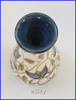 Boxed Moorcroft Vase Sweet Thief Design MCC Piece Rachel Bishop 2000 1 Star Ltd